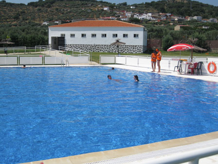 Alcu scar ya tiene piscina y pabell n polideportivo for Piscina polideportivo